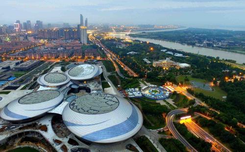 建邺区关于扶持和促进旅游产业发展的 暂行办法